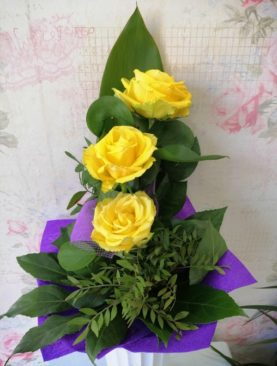 Buchet de flori - 3 Trandafiri galbeni