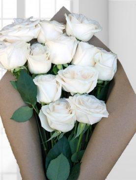 Buchet 12 trandafiri albi
