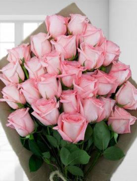 Buchet de 25 trandafiri roz