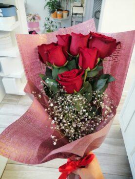 Buchet cu trandafiri rosii - Dragoste si pasiune