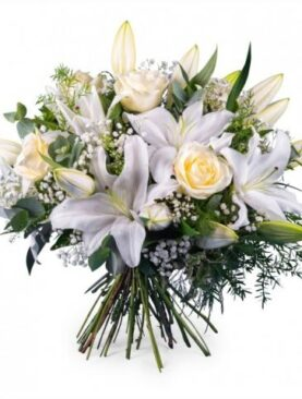 Buchet de flori cu trandafiri albi