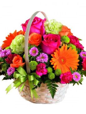 Cos cu flori viu colorat