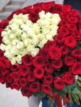 Buchet de 151 Trandafiri - 2 Inimi
